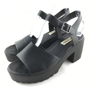 ab257b077a7 Steve Madden Shoes - Chunky platform sandals block heel black 8 Gizza